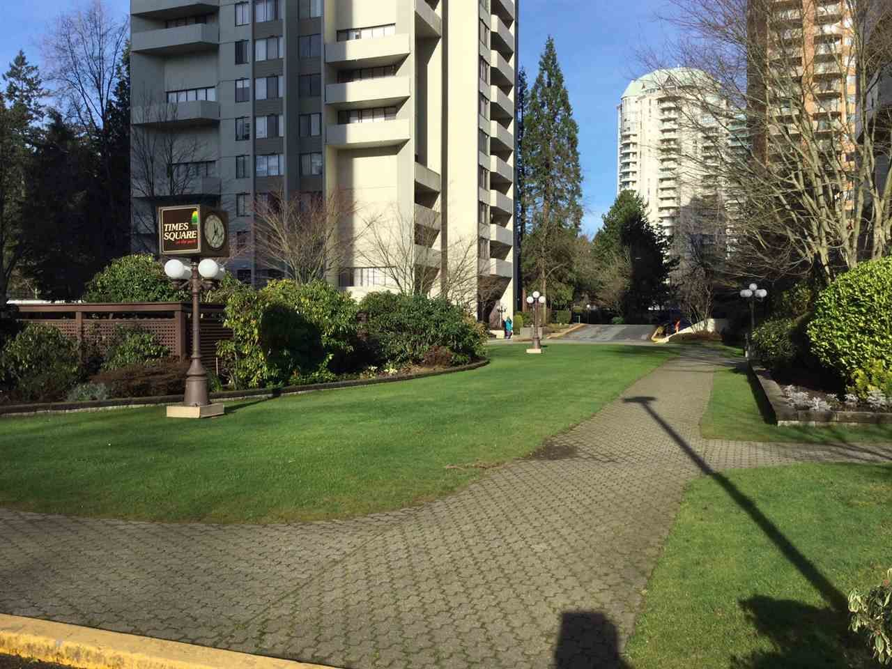 """Photo 3: Photos: 1802 4300 MAYBERRY Street in Burnaby: Metrotown Condo for sale in """"Times Square"""" (Burnaby South)  : MLS®# R2529822"""