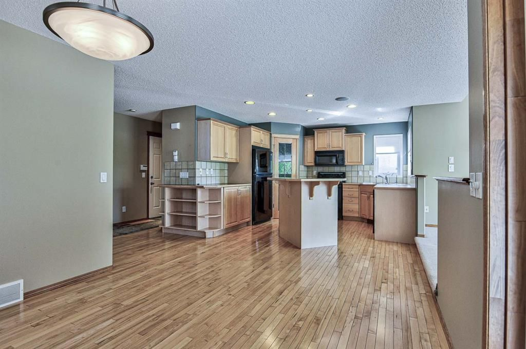 Photo 17: Photos: 106 Everwillow Close SW in Calgary: Evergreen Detached for sale : MLS®# A1116249