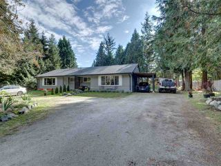 Photo 3: 8041 WILDWOOD Road in Halfmoon Bay: Halfmn Bay Secret Cv Redroofs 1/2 Duplex for sale (Sunshine Coast)  : MLS®# R2506771