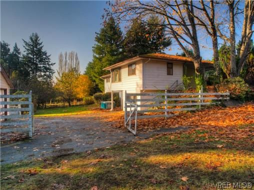 Main Photo: 3769 Duke Rd in VICTORIA: Me Albert Head House for sale (Metchosin)  : MLS®# 628174