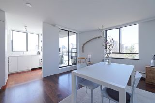 Photo 4: 902 1108 NICOLA STREET in Vancouver: West End VW Condo for sale (Vancouver West)  : MLS®# R2565027