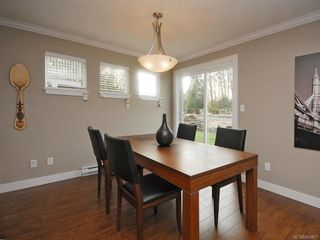 Photo 3: 3331 Merlin Rd in Langford: La Luxton House for sale : MLS®# 608861