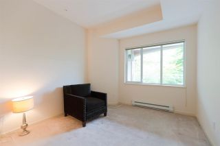 """Photo 18: 301 5262 OAKMOUNT Crescent in Burnaby: Oaklands Condo for sale in """"Sr. Andrews in the Oaklands"""" (Burnaby South)  : MLS®# R2271001"""