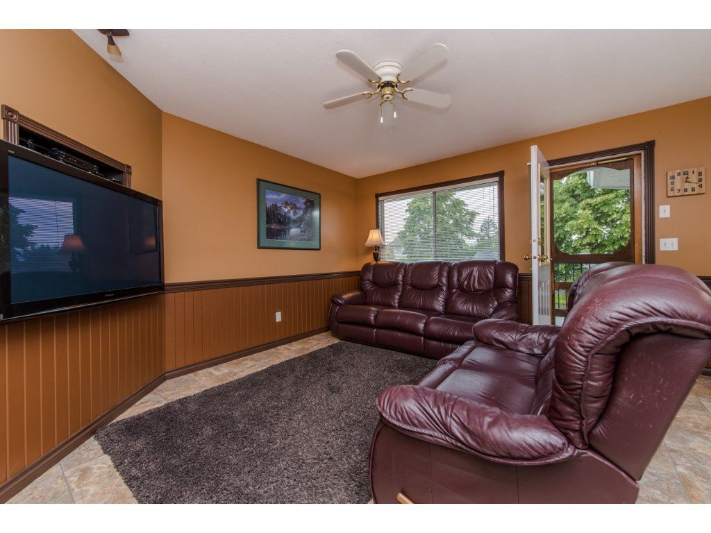 """Photo 14: Photos: 27091 24A Avenue in Langley: Aldergrove Langley House for sale in """"South Aldergrove"""" : MLS®# R2080123"""