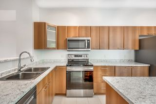 """Photo 3: 144 2000 PANORAMA Drive in Port Moody: Heritage Woods PM Townhouse for sale in """"Mountain's Edge by Parklane"""" : MLS®# R2620218"""