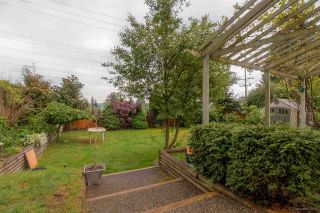 Photo 3: 405 DARTMOOR Drive in Coquitlam: Coquitlam East House for sale : MLS®# R2061799