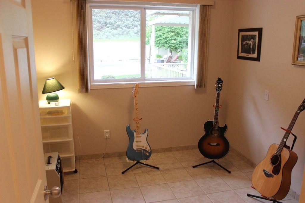 Photo 17: Photos: 3581 Navatanee Drive in Kamloops: Rivershore Estates House for sale : MLS®# 117351