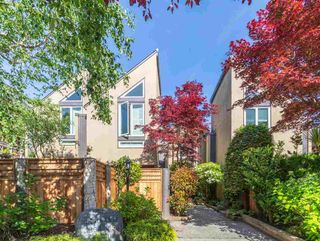 Photo 1: 1358 CYPRESS STREET in Vancouver: Kitsilano Townhouse for sale (Vancouver West)  : MLS®# R2459445
