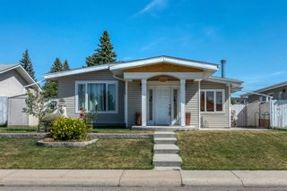 Photo 1: 633 Agate Crescent SE in Calgary: Acadia Detached for sale : MLS®# A1112832
