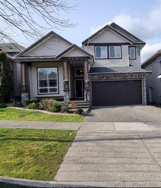 Photo 1: 7779 146A Street in Surrey: East Newton House for sale : MLS®# R2585816