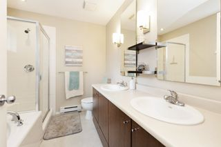 """Photo 18: 10 19572 FRASER Way in Pitt Meadows: South Meadows Townhouse for sale in """"Coho II"""" : MLS®# R2613378"""