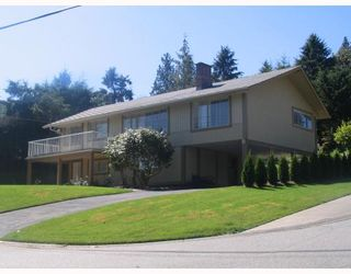 Photo 2: 985 ROSLYN Boulevard in North_Vancouver: Dollarton House for sale (North Vancouver)  : MLS®# V666618