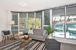 """Photo 1: 312 788 HAMILTON Street in Vancouver: Downtown VW Condo for sale in """"TV Towers"""" (Vancouver West)  : MLS®# R2364675"""