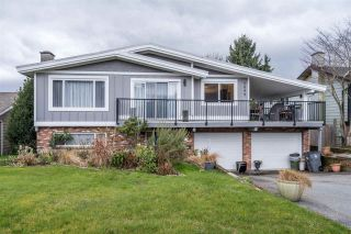 Photo 1: 5899 181A STREET in Surrey: Cloverdale BC House for sale (Cloverdale)  : MLS®# R2547039