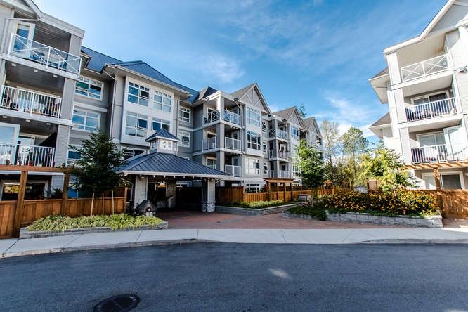 """Main Photo: 301 3136 ST JOHNS Street in Port Moody: Port Moody Centre Condo for sale in """"SONRISA"""" : MLS®# R2205822"""