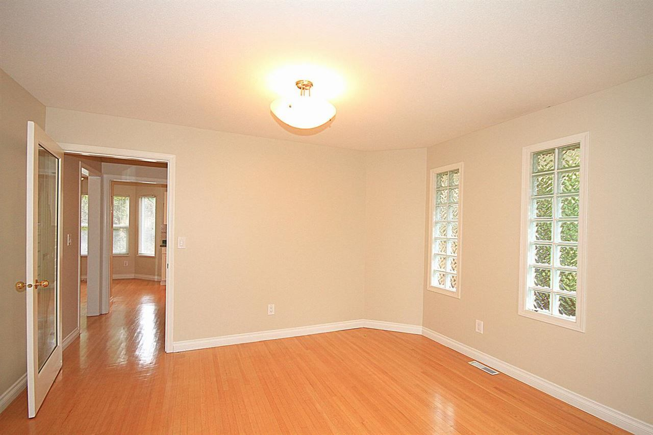 Photo 5: Photos: 12133 221 Street in Maple Ridge: West Central 1/2 Duplex for sale : MLS®# R2116739