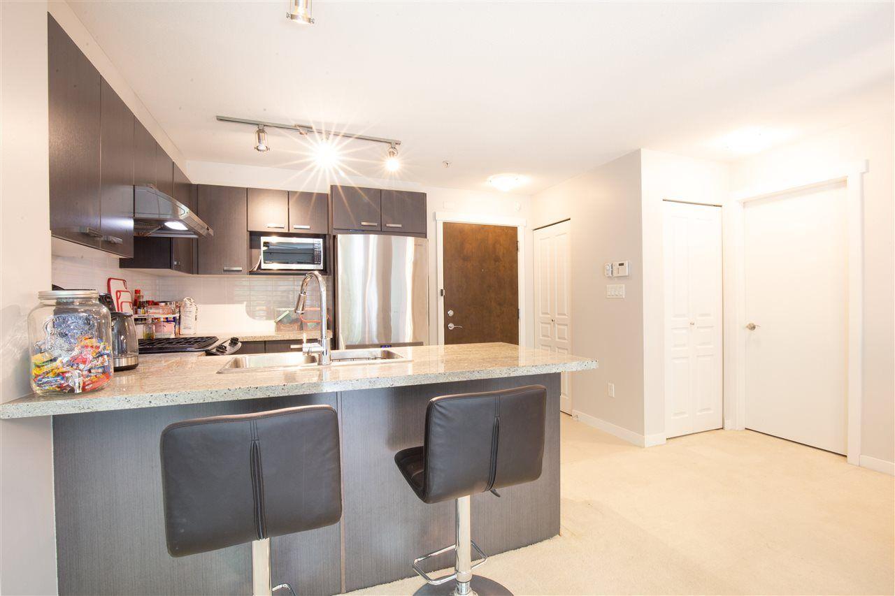 "Photo 3: Photos: 120 9399 TOMICKI Avenue in Richmond: West Cambie Condo for sale in ""CAMBRIDGE PARK"" : MLS®# R2486049"