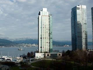 """Photo 5: 606 588 BROUGHTON Street in Vancouver: Coal Harbour Condo for sale in """"HARBOURSIDE PARK"""" (Vancouver West)  : MLS®# V929712"""