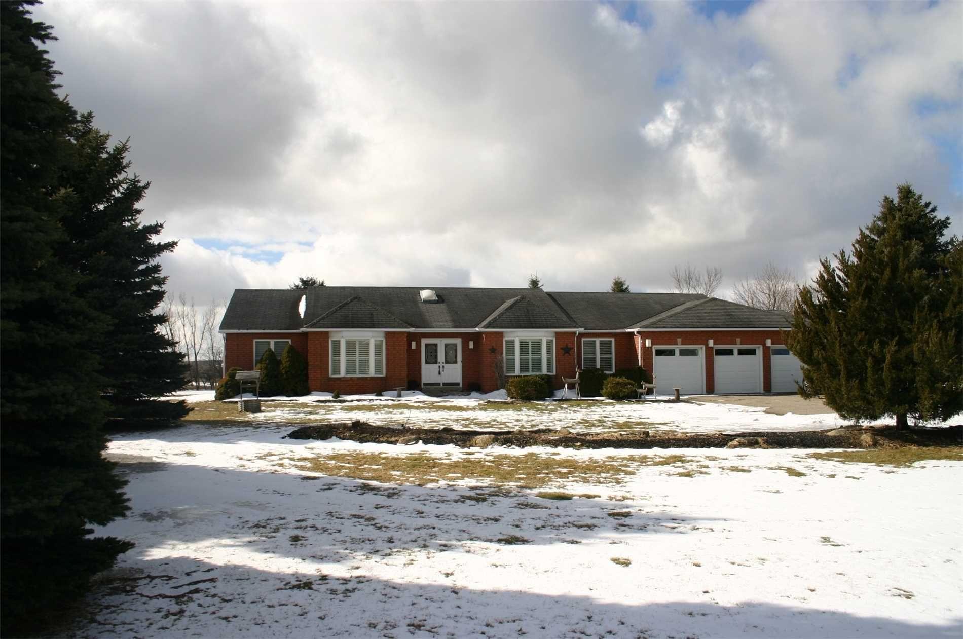 Main Photo: 19 Kingsland Avenue in Mulmur: Rural Mulmur House (Bungalow) for sale : MLS®# X4376322