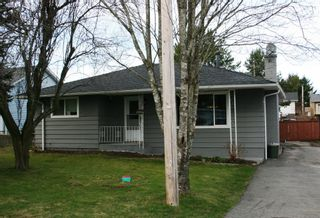 Photo 1: 15837 Thrift Avenue in White Rock: Home for sale : MLS®# F1005736