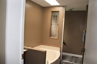 """Photo 14: 17 145 KING EDWARD Street in Coquitlam: Maillardville Manufactured Home for sale in """"MILL CREEK VILLAGE"""" : MLS®# R2411158"""