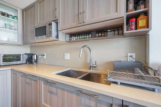 "Photo 12: 751 5515 BOUNDARY Road in Vancouver: Collingwood VE Condo for sale in ""WALL CENTRE - CENTRAL PARK"" (Vancouver East)  : MLS®# R2496450"