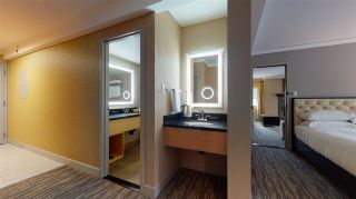 """Photo 15: 520/522 4050 WHISTLER Way in Whistler: Whistler Village Condo for sale in """"THE HILTON"""" : MLS®# R2530704"""