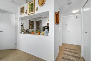 """Photo 10: 2208 438 SEYMOUR Street in Vancouver: Downtown VW Condo for sale in """"Conference Plaza"""" (Vancouver West)  : MLS®# R2610760"""