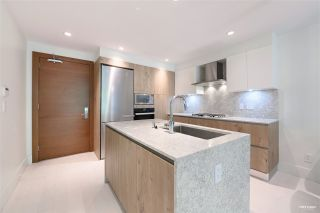 """Photo 8: 201 522 15TH Street in West Vancouver: Ambleside Condo for sale in """"Ambleside Citizen"""" : MLS®# R2539315"""