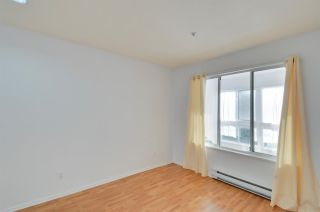 "Photo 10: 208 2133 DUNDAS Street in Vancouver: Hastings Condo for sale in ""HARBOUR GATE"" (Vancouver East)  : MLS®# R2227783"