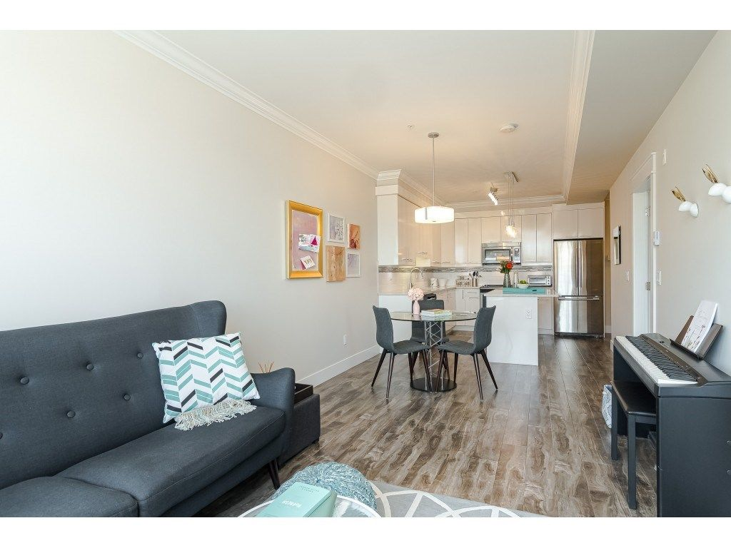 """Photo 13: Photos: 315 19228 64 Avenue in Surrey: Clayton Condo for sale in """"FOCAL POINT"""" (Cloverdale)  : MLS®# R2481765"""