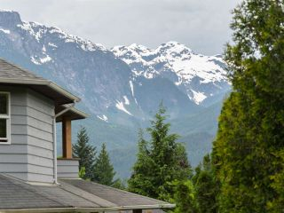 Photo 20: 2555 JURA Crescent in Squamish: Garibaldi Highlands House for sale : MLS®# R2176752