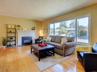 Photo 2: 4160 Longview Dr in : SE Gordon Head House for sale (Saanich East)  : MLS®# 883961