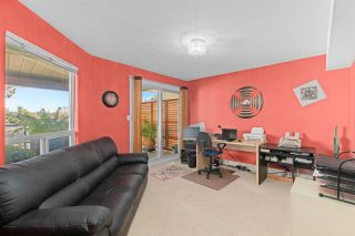 """Photo 23: 843 PARKER Street: White Rock House for sale in """"East Beach"""" (South Surrey White Rock)  : MLS®# R2590791"""