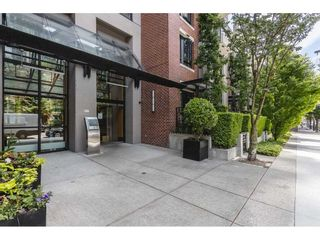 """Photo 2: 409 928 HOMER Street in Vancouver: Yaletown Condo for sale in """"Yaletown Park 1"""" (Vancouver West)  : MLS®# R2590360"""