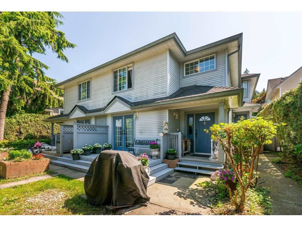 Main Photo: 4 2305 ST JOHNS Street in Port Moody: Port Moody Centre Townhouse for sale : MLS®# R2388377