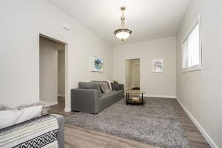Photo 3: 367 Agnes Street in Winnipeg: West End Residential for sale (5A)  : MLS®# 202110420