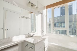 Photo 10: 1903 1189 MELVILLE STREET in Vancouver: Coal Harbour Condo for sale (Vancouver West)  : MLS®# R2354809
