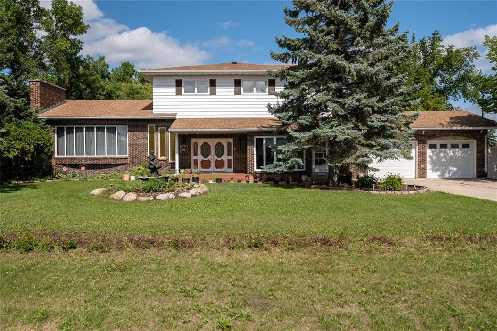 Main Photo: 683 Rossmore Avenue: West St Paul Residential for sale (R15)  : MLS®# 202121211