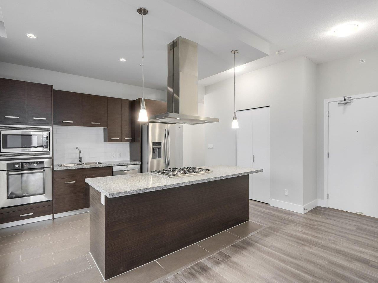 """Main Photo: 2002 2959 GLEN Drive in Coquitlam: North Coquitlam Condo for sale in """"THE PARC"""" : MLS®# R2213475"""