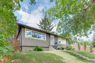 Main Photo: 7 Meadowview Road SW in Calgary: Meadowlark Park Detached for sale : MLS®# A1122740
