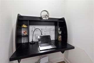 """Photo 7: 1311 10777 UNIVERSITY Drive in Surrey: Whalley Condo for sale in """"CITY POINT"""" (North Surrey)  : MLS®# R2537926"""