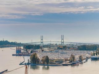 "Photo 12: 2501 888 CARNARVON Street in New Westminster: Downtown NW Condo for sale in ""MARINUS"" : MLS®# R2115352"