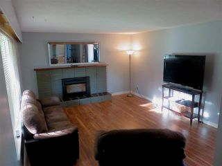 Photo 3: 3228 CEDAR DRIVE: House for sale : MLS®# R2059607