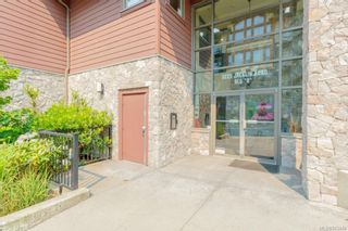 Photo 2: 304 3220 Jacklin Rd in Langford: La Walfred Condo for sale : MLS®# 843449