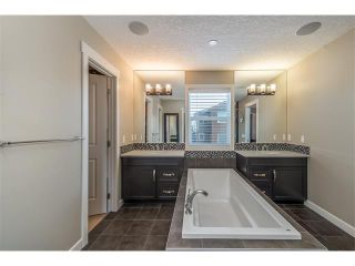 Photo 29: 22 ROCKFORD Road NW in Calgary: Rocky Ridge House for sale : MLS®# C4115282