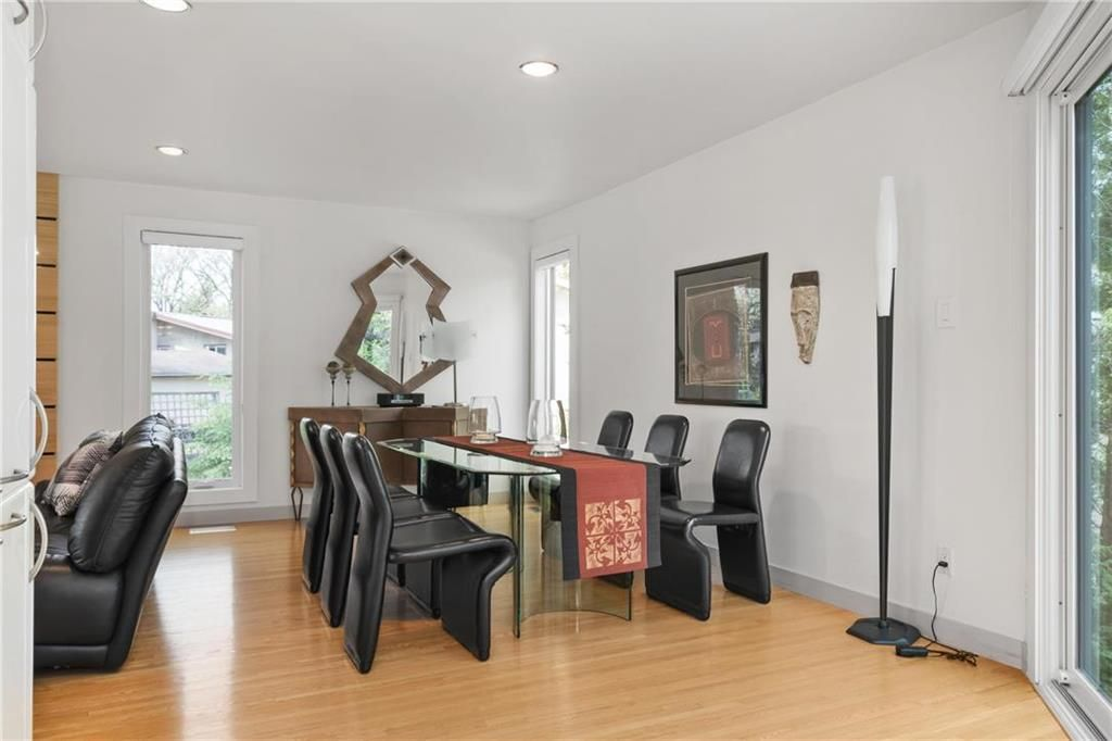 Photo 9: Photos: 97 Woodlawn Avenue in Winnipeg: Residential for sale (2C)  : MLS®# 202011539