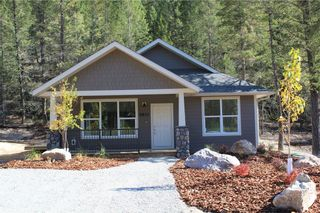 Photo 1: 4810 MOUNTAIN VIEW Drive in Fairmont Hot Springs: House for sale : MLS®# 2432397