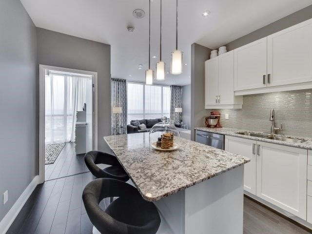 Photo 5: Photos: 2009 2900 W Highway 7 in Vaughan: Concord Condo for sale : MLS®# N3988887
