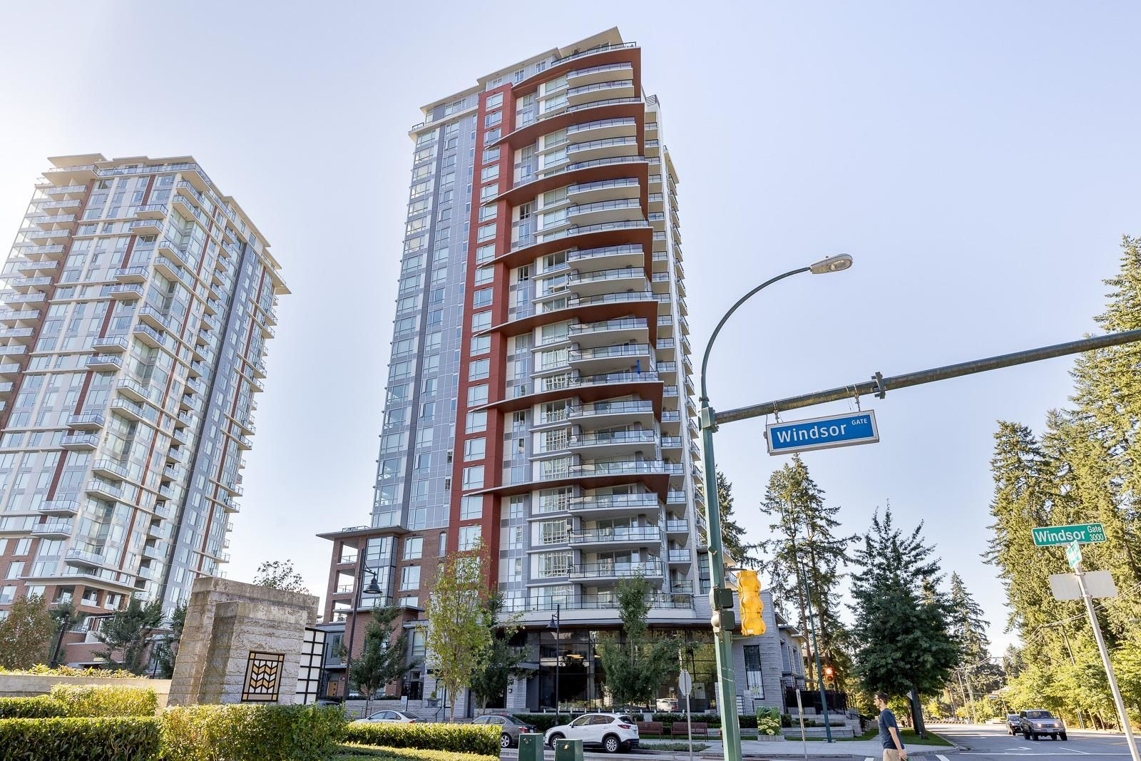 """Main Photo: 705 3096 WINDSOR Gate in Coquitlam: New Horizons Condo for sale in """"MANTYLA BY POLYGON"""" : MLS®# R2618506"""